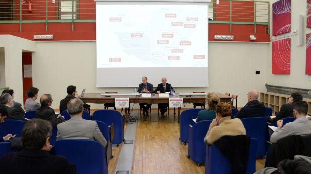 Firma del protocollo d'intesa Università e Politecnico di Torino nella sede del Contamination Lab: da sx Guido Saracco (Rettore PoliTo), Gianmaria Ajani (Rettore UniTo)